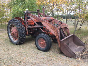 Case D tractor with loader
