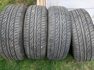 4 pneus été sailun atrezo comme neuf 205/65r15