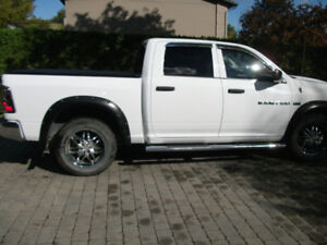 PICK-UP DODGE RAM 1500-2012-CREW CAB-MOTEUR 5,7 -GR REMORQUAGE