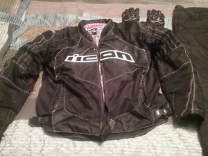 Beautiful icon motorcycle suit fully armored