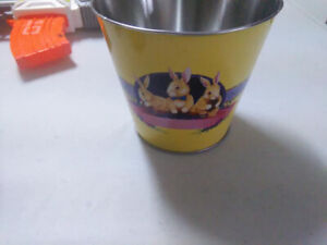 Easter tin can