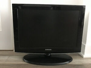 Samsung TV 22 inches screen