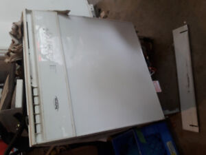 Dish washer and stand up freezer free