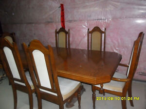 6 CHAIR WOODEN  DINNING TABLE SET