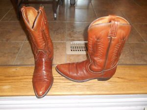 Mens Cowboy/western style boots