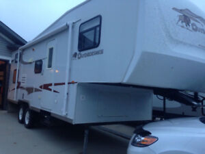 2006 Outdoorsman 27.5' with Bunks