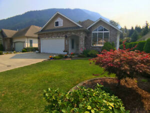 3 Bed/3Bath Home with Large Garden/Yard in Harrison Hot Springs