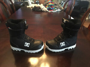 Kids DC size 5 boots