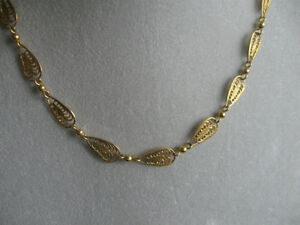 "BEAUTIFUL 18"" BRILLIANT VINTAGE GOLDTONE FILIGREED NECKLACE"