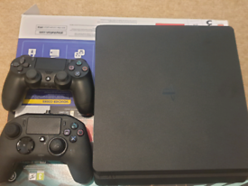 Sony PS4 500GB Console (Slim) with 2 controllers