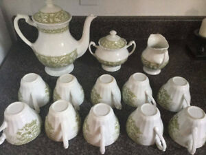 """LUCERNE"" MADE IN ENGLAND TEA SET WITH BEAUTIFUL DESIGN"