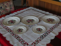 LOT PORCELAINE MADE IN ENGLAND - BELLE OCCASION A PROFITER