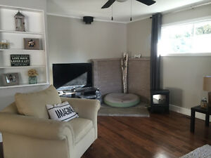 Room (s) for rent in Stittsville Bungalow