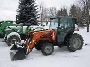 AGCO ST47A Cab Tractor with loader