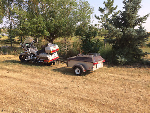 1985 Honda Gold Wing and tow behind trailer