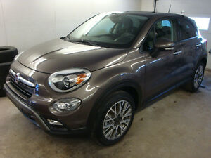 2016 Fiat 500 X Trekking SUV, *Family Approved* *AWD*