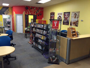 10 month Sublet Available for Retail or Office Space