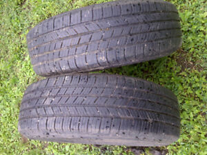 2 MICHELINS 215/70/15 with rims 15$ each 70% bolt 114.3