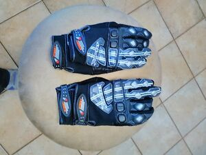 JOE ROCKET SIZE MEDIUM AND LARGE GLOVES Windsor Region Ontario image 1