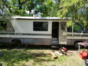 Parting out 1994 Motorhome Ford Chassis