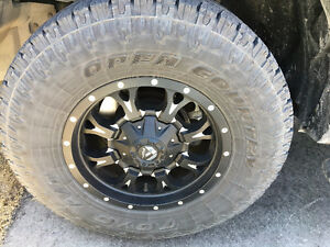 Toyo Open Country AT ll LT285/70R17
