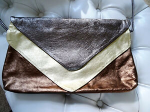 DISCO DAYS are here again! vintage METALLIC LEATHER CLUTCH PURSE Cambridge Kitchener Area image 2