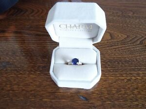10kt gold diamond and crafted blue sapphire ring