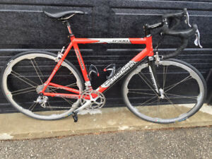 Cannondale R900 Road Bike