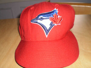 Toronto Blue Jays hat - New Era 59Fifty - Size 7 - Red