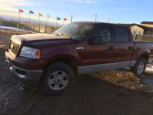 2004 Ford F-150 Super Crew Pickup Truck --- For Parts