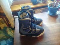 Freestyle snow board boots USA size 5. Euro size 37.5