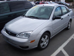 2005 Ford Focus ZX4 SES 4 Door Sedan Sedan