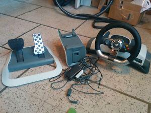 XBOX360 SLIM 250GB +accessoire+jeux+volant et pédale