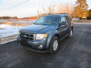 2010 Ford Escape XLT SUV, all  wheel  drive only 146 km