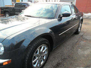 2008 Chrysler 300 Limited Safetied & e-tested, ONLY 137,500kms