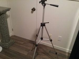 Trépied  pour caméra ajustable 4 pi