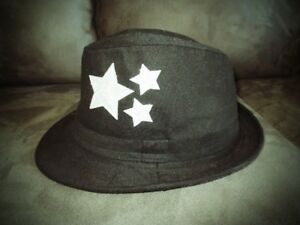 Unisex Black hat (used once for photoshoot) in great condition