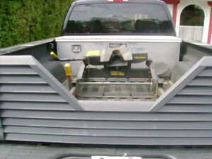 5th wheel hitch and tailgate