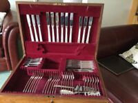 58piece Oneida Community Silver Plate Canteen of Cutlery