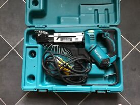 Makita Auto-Feed Screwdriver 110v Mint condition