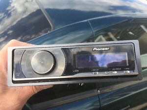 Pioneer CD player 25$ with remote