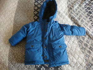 Kid's Winter jacket with hood Gap Size: 3 year old Color: blue