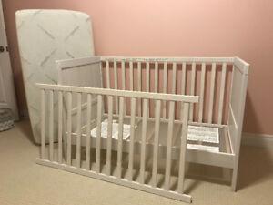 SUNDVIK (Ikea) Crib - VERY GOOD condition, White.