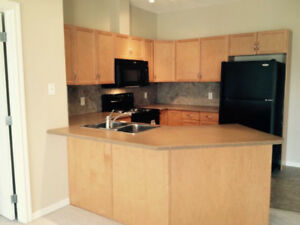 EVERYTHING INC.1100sq Condo in SW.2B2Bath 2 GParking.