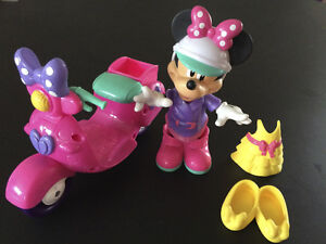 Fisher-Price Scooter chic de Minnie Mouse
