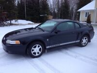 2000 Mustang in excellent condition