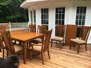 Contemporary Dining Room Table w/ 8 chairs