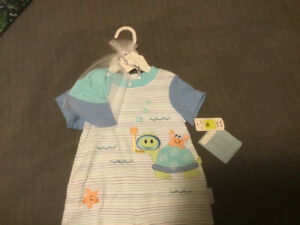 Unbelievably Cute blue striped onsie w turtle, sea star and crab