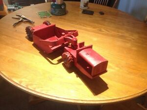 VIINTAGE STRUCTO PRESSED STEEL EARTH MOVER
