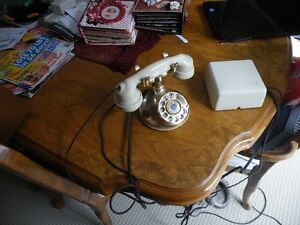 Collector telephone